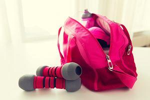 Jak spakować się na siłownię? 6 rzeczy, które powinnaś mieć ze sobą w torbie fitness