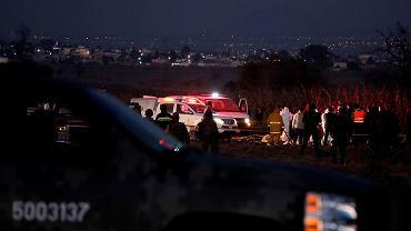 24.12.2018, Meksyk, służby ratownicze na miejscu katastrofy helikoptera w której zginęła gubernator Puebli Martha Erika Alonso i jej mąż Rafael Moreno Valle, były gubernator Puebli.