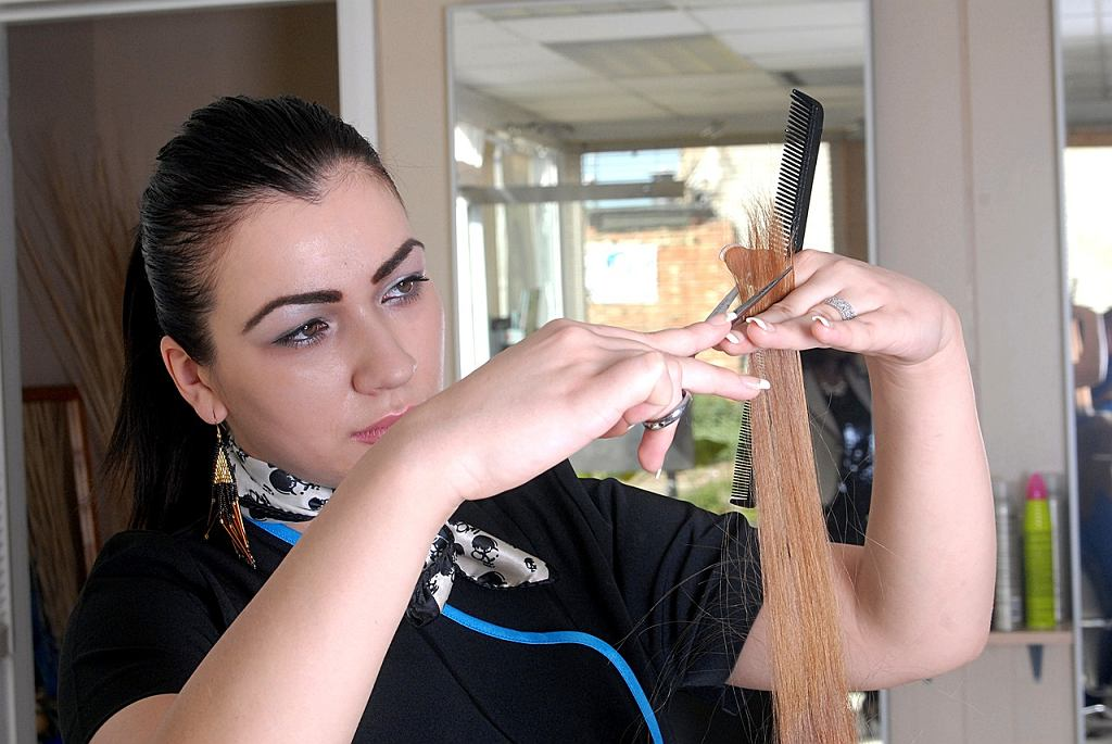 Fryzjerka może pomóc wykryć raka skóry