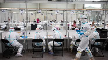 Ponad połowa Polaków obawia się czwartej fali pandemii COVID-19 [BADANIE]