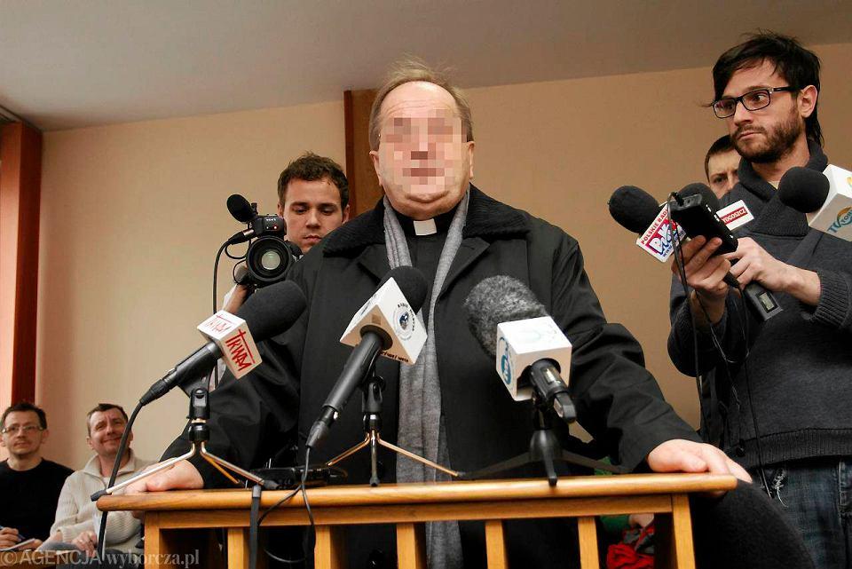 Zdjęcie numer 1 w galerii - Ojciec Rydzyk zeznawał w toruńskim sądzie [ZDJĘCIA]