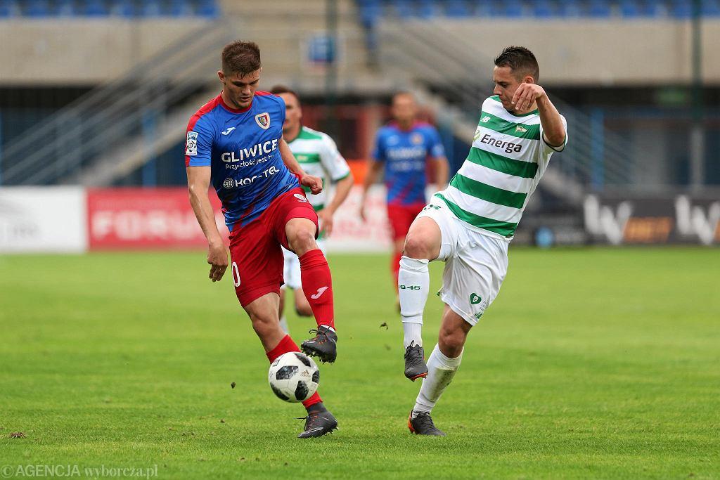 Piast Gliwice - Lechia Gdańsk (0:2). Z prawej Ariel Borysiuk