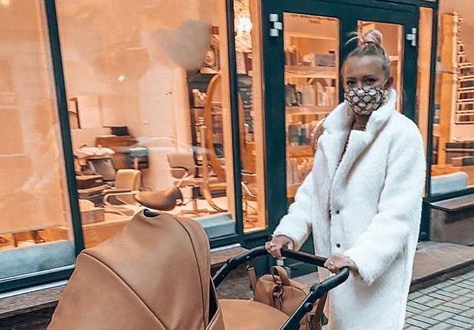 Barbara Kurdej-Szatan ma stylowy wózek dla Henia
