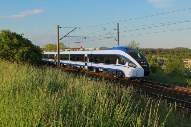 Dart, najnowszy pociąg Pesy, przechodzi już testy. W grudniu wyjedzie na tory