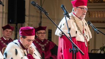 Rektor UAM prof. Andrzej Lesicki (po prawej) zgodził się na wykład dr. Tymoteusza Zycha z Ordo Iuris
