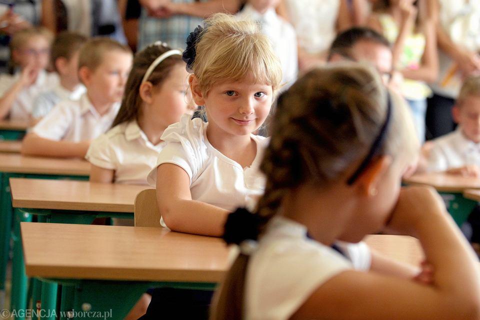 Stało się - PiS cofnął reformę rządu PO. A sześciolatki cofnął do przedszkoli