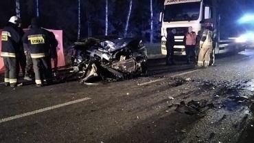 Wypadek na krajowej '60' na Mazowszu. W wypadku zginęła jedna osoba, trzy zostały ranne