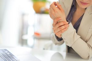 Neuropatia obwodowa bywa powikłaniem cukrzycy, ale przyczyn jest znacznie więcej. Jak się objawia i w jaki sposób można ją leczyć?