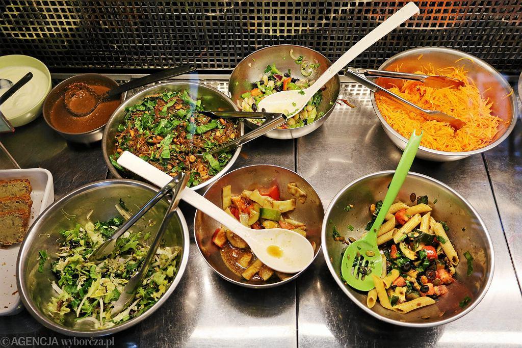 Zdjęcie ilustracyjne. Wegańska i wegetariańska żywność coraz bardziej popularna.
