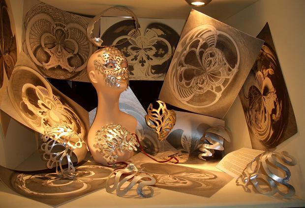 Maski i projekty graficzne autorstwa Anny Domaradzkiej, które były wyeksponowane w teatrze San Gallo w Wenecji