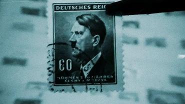 Znaczek z Hitlerem, kadr z produkcji 'The Liegnitz Plot'