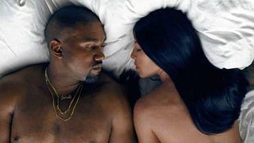 "Kadr z teledysku ""Famous"" Kanye Westa"