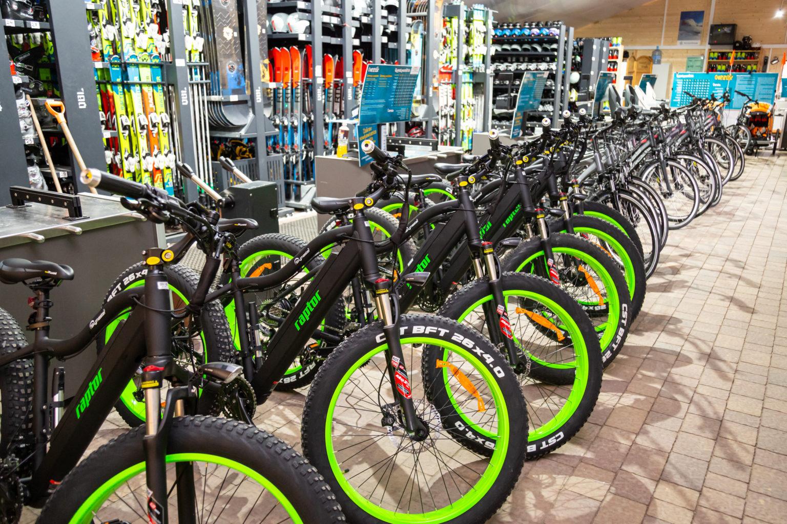 Zamiast nart będą rowery. Już otwierają wypożyczalnię w Bałtowie