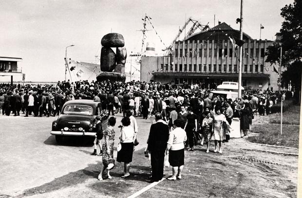 Zdjęcie numer 6 w galerii - Dworzec Morski w Gdyni skończył 85 lat. Zobacz, jak się zmieniał [ARCHIWALNE ZDJĘCIA]