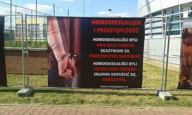 heteroseksualni mężczyźni zmuszeni do seksu gejowskiego