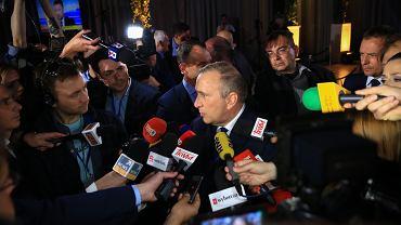 Grzegorz Schetyna podczas wieczoru wyborczego Koalicji Europejskiej.