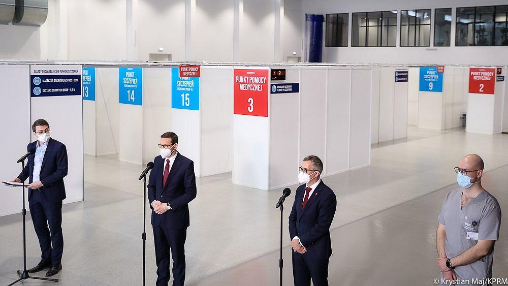 Konferencja premiera Mateusza Morawieckiego w Narodowym Punkcie Szczepień w Gdańsku