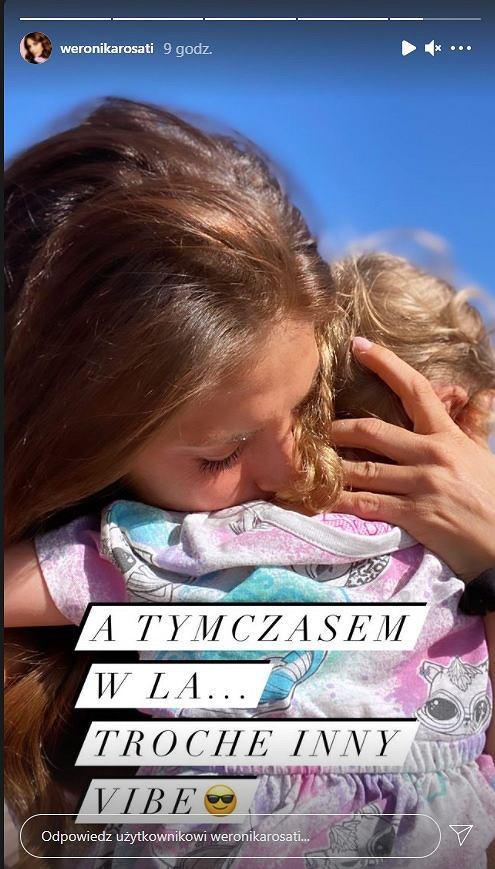 Weronika Rosati dodała zdjęcie, na którym przytula córeczkę