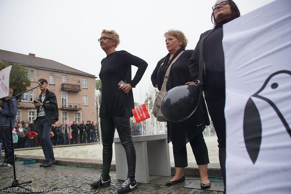Zdjęcie numer 21 w galerii - Czarny protest w Zielonej Górze: