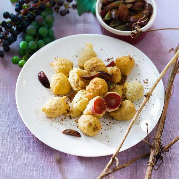 Winogronowe pączuszki