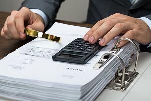 Rząd zaczyna grę w pokera o miliardy z VAT. 1 lipca wchodzi w życie split payment