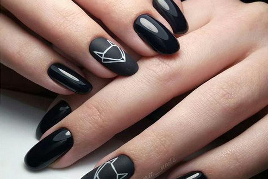 Czarne paznokcie nadają się na każdą okazję