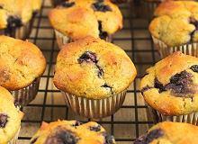 Mini muffinki awokado z jagodami - ugotuj