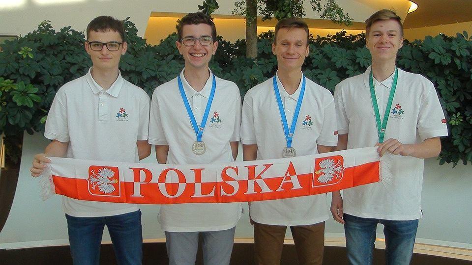 Polska reprezentacja na Międzynarodowej Olimpiadzie Informatycznej w Azerbejdżanie.