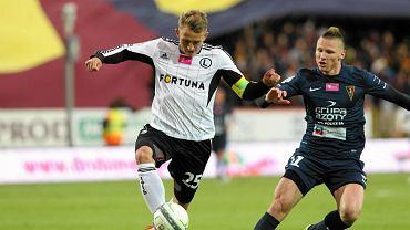 Jakub Rzeźniczak (Legia) i Marcin Robak (Pogoń)