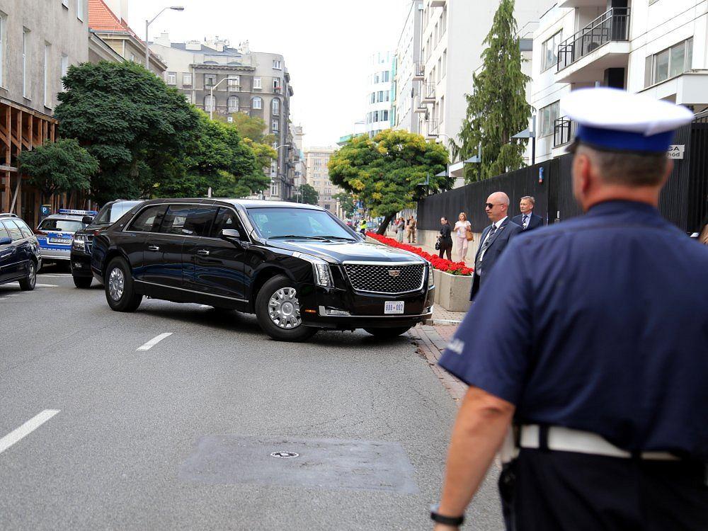 Cadillac One - Bestia/Policja Warszawa - Twitter