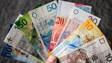 Kredytu we frankach już nie ma, ale wciąż można pozwać bank o zwrot pieniędzy