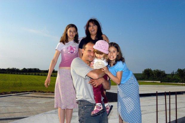 Paweł Kukiz z rodziną w 2003 roku