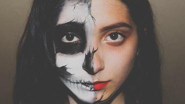 Makijaż czaszka na Halloween