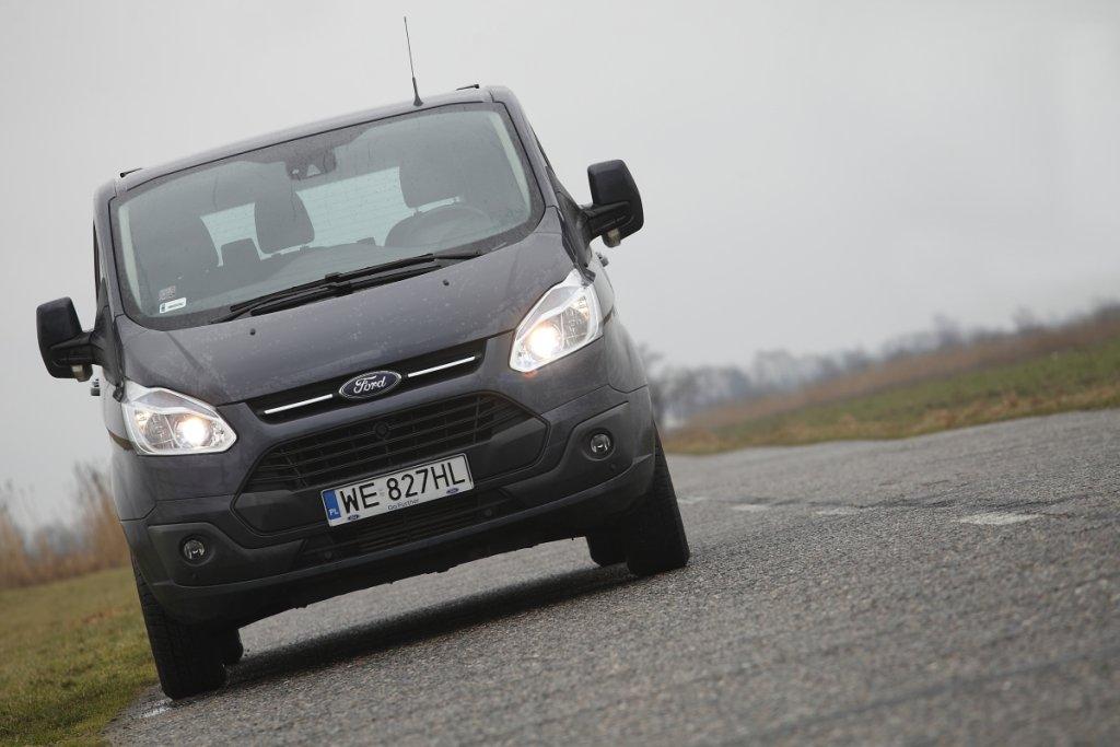 Ford Tourneo Custom 300 2.2 TDCI Titanium L1