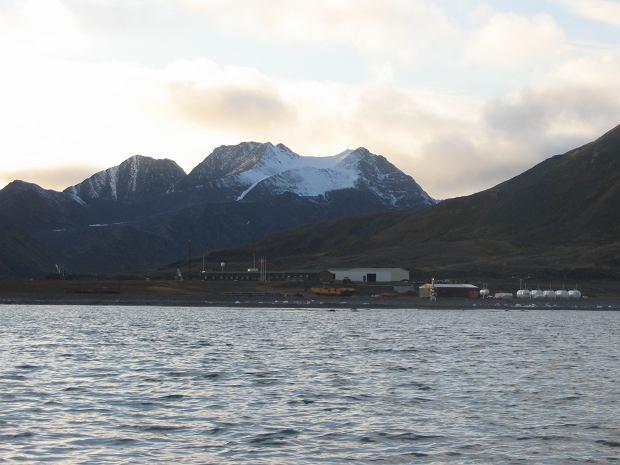 """Polarnicy poszukiwani na kolejną wyprawę na Spitsbergen. """"Cisza staje się sprawdzianem dla człowieka"""""""