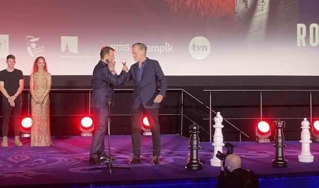 Robert Więckiewicz i Bill Pullman na premierze filmu 'Ukryta gra'