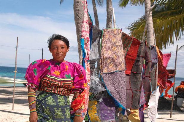 Panama, archipelag Sun Blas - Indianka z plemienia Kuna
