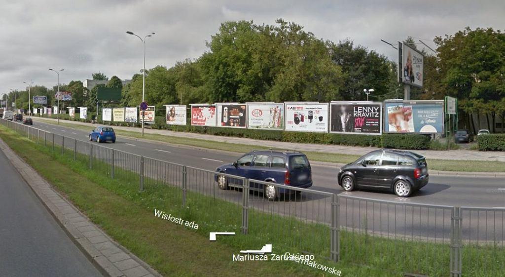 Ciąg bilbordów wzdłuż ul. Czerniakowskiej w Warszawie