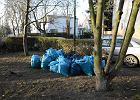 Miasto dopłaca za wywóz stert worków ze śmieciami
