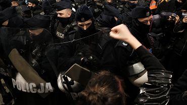 Podczas środowych demonstracji doszło do użycia siły przez policję
