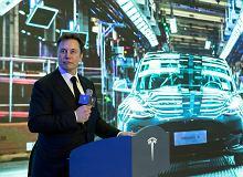 Tesla niebawem ma udostepnić tryb całkiem autonomicznej jazdy. Ale na razie raczej z niego nie skorzystamy