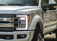 Zamiast luksusowej limuzyny pickup za 100 tysięcy dolarów - nowy trend wśród bogatych kierowców