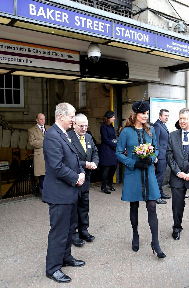 Britain's Catherine, Duchess of Cambridge visits Baker Street underground station in London March 20, 2013. The visit was to mark the 150th anniversary of London Underground.     REUTERS/Chris Radburn/pool    (BRITAIN - Tags: ROYALS ENTERTAINMENT SOCIETY TRANSPORT)