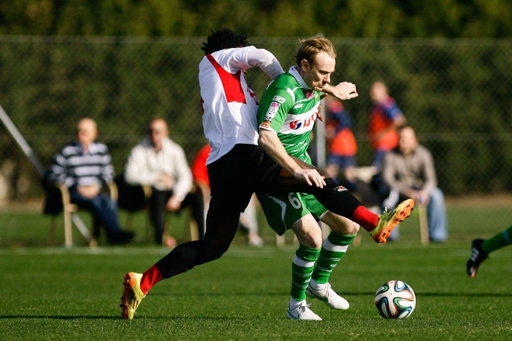 Sebastian Mila rozegrał pierwszy mecz w Lechii. W Benfiką Luanda zagrał 45 minut