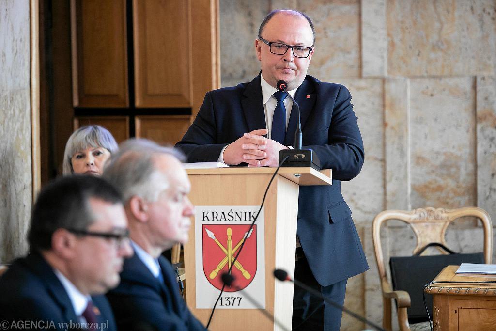 Kraśnik. Sesja rady miasta. Dyskusja o uchwale anty - LGBT. Burmistrz Wojciech Wilk