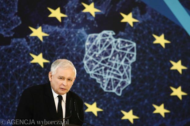 Prawo i Sprawiedliwość należy w Parlamencie Europejskim do frakcji uważanej za eurosceptyczną. Politycy tej grupy wolą jednak określać się jako 'eurorealiści'