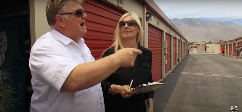 Dan i Laura Dotsonowie prowadzący aukcje.