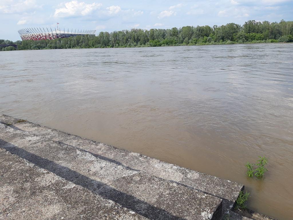 Podnosi się poziom wody w Wiśle