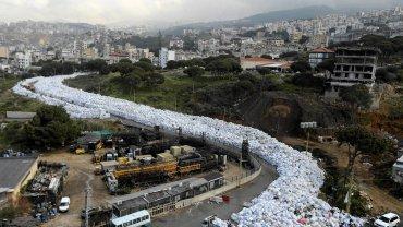 Rzeka śmieci w Bejrucie