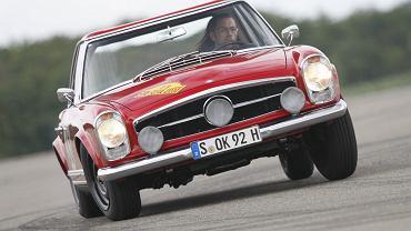 Replika rajdowego Mercedesa 230 SL W113